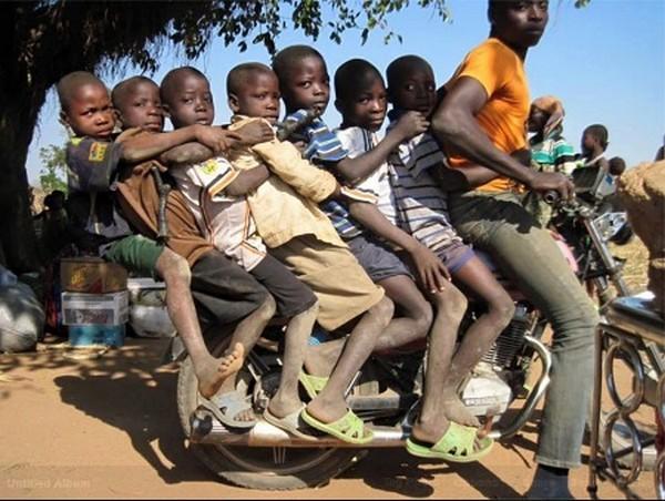 okada-carrying-kids