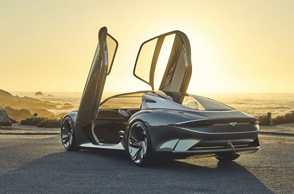 Bentley-EXP-100-GT-concept-car-with-wings-open