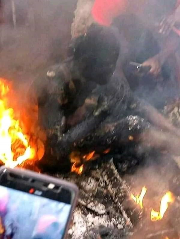 Fuel tanker causes fire outbreak in Onitsha market, lives and properties  lost | naijacarnews.com