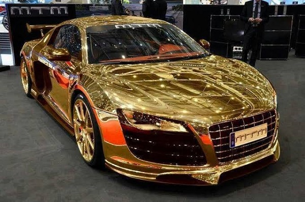All-Gold-Audi-R8