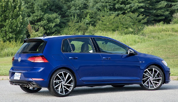 2019-Volkswagen-Golf-R