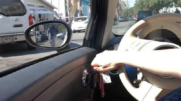 opening-a-car-door
