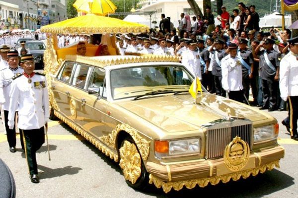 image-of-sheikh-of-brunei-gold-plated-limousine