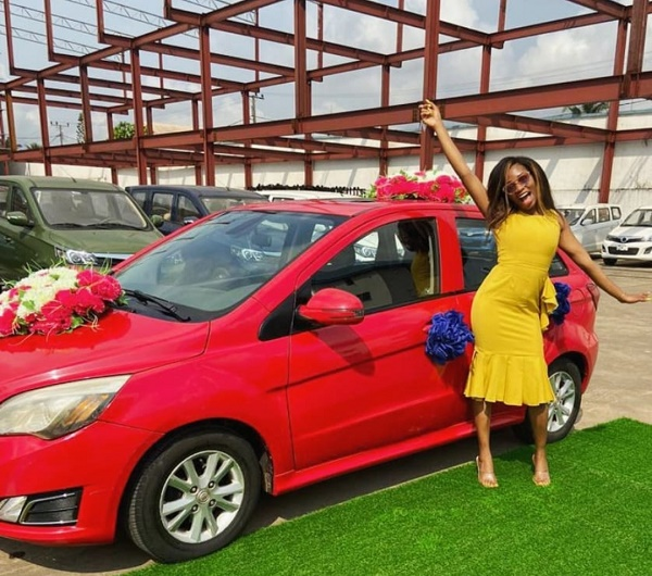 Khafi-receives-her-car-prize