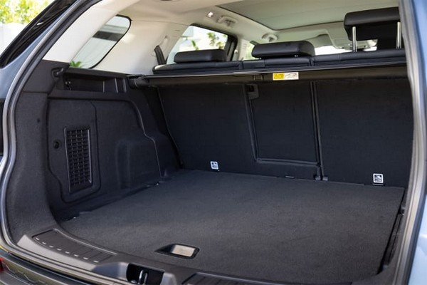 2020-land-rover-discovery-sport-cargo-space