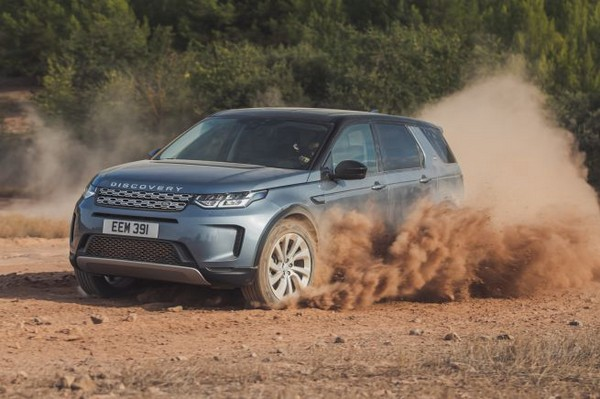 2020-land-rover-discovery-sport-off-road