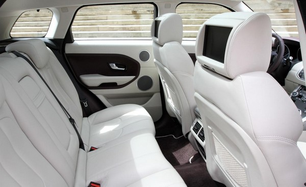 range-rover-evoque-2012-rear-seat