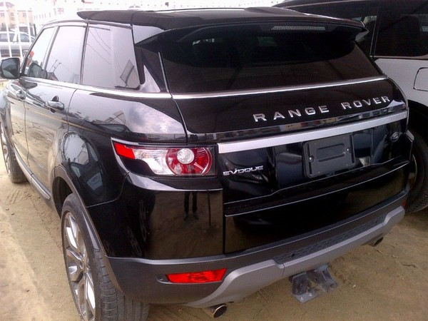 used-range-rover-evoque-rear-view
