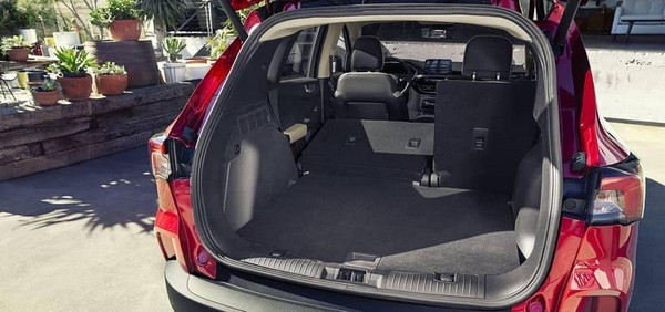2020-ford-escape-cargo-space