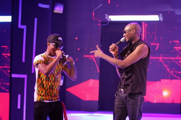 wizkid-2face-on-stage