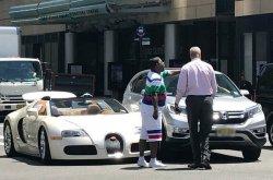 Comedian Tracy Morgan gets into a car crash 30 mins after buying his $2 million Bugatti supercar