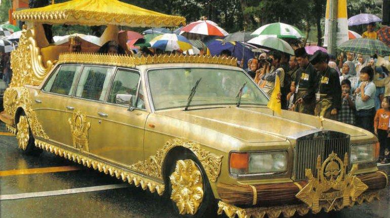 Shocking! Brunei Sultan Hassanal Bolkiah owns 5,000 cars worth N2.3 trillion