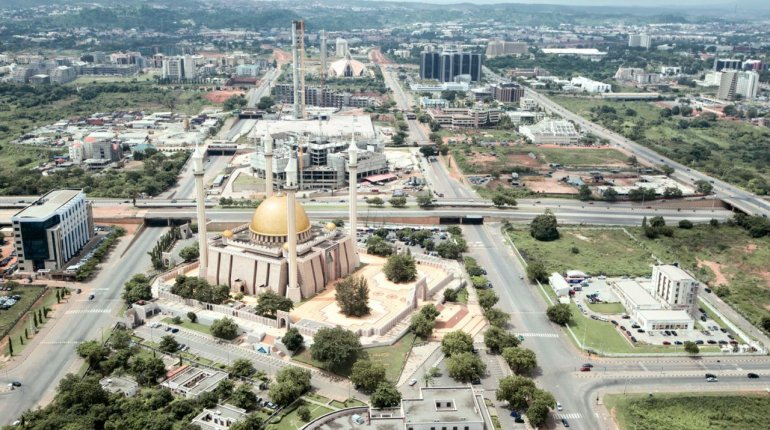 Benin to Abuja by road: Tips to choose the best service for your trip