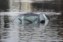 Things you must do to survive a submerging car