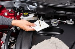 How you should check the oil level of your car