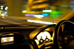 How to reduce night blindness while driving