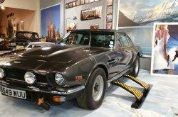 "Aston Martin shines in new ""Bond 25"" teaser images"